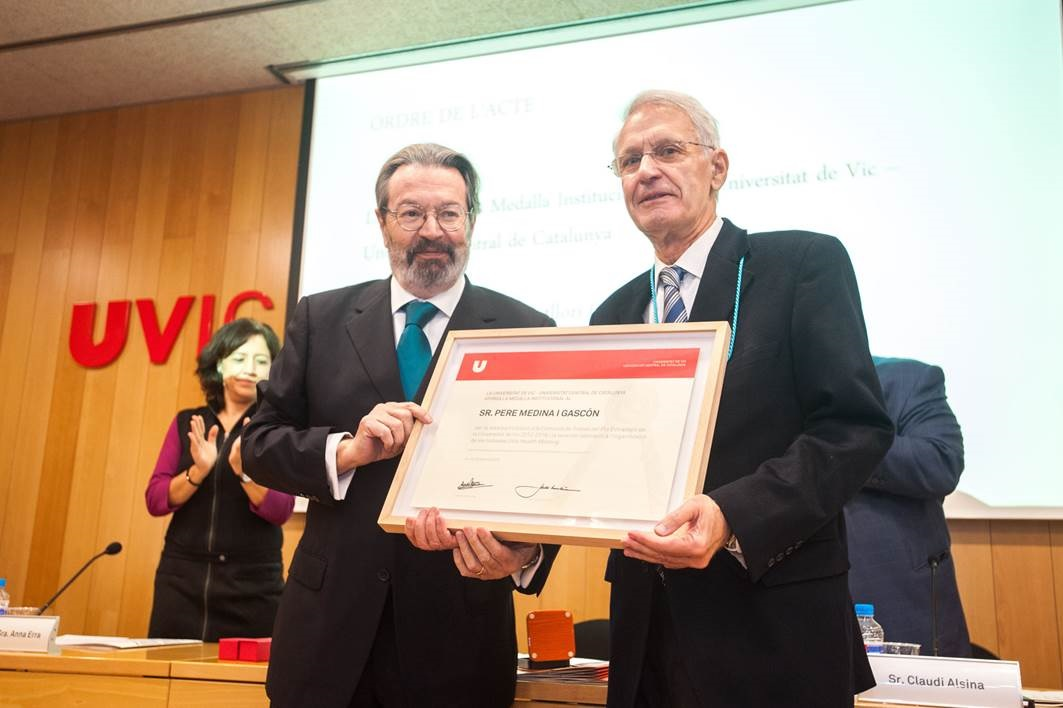 Entrega Medalla Sr. Pere Medina